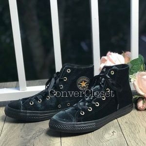 NWT Converse Ctas HI Velvet Black WMNS. AUTHENTIC